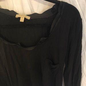 Black drapey tee (3/4 sleeves)
